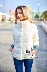 новая модная женская куртка