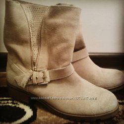 чобітки stradivarius