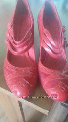 Очень красивые, кожаные туфли