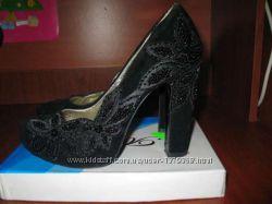 замшевые красивые туфли 37р