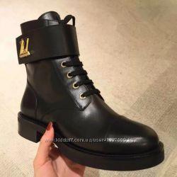 Высокие ботинки LV на шнуровке