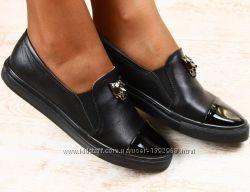Туфли низкий ход с эмблемой тигра натур. кожа черные 36, 37, 38, 39, 40р