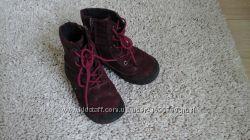 Замшевые ботинки фирмы blooms 26р. , 17 см