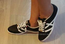 Фирменные , стильные кроссовки graceland