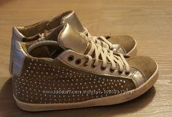 Стильные, итальянские, натуральные ботинки-кеды