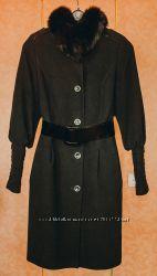 Стильное пальто-колокольчик в отличном состоянии, р. 48