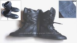 Новые женские кожаные сапожки CHANEL на шнуровке