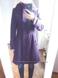 Пальто фиолето-го цвета