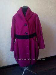 Продам зимнее пальто малинового цвета