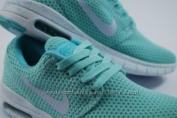 Распродажа женских кроссовок