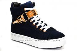 Осенние ботинки спортивного стиля из натуральной замши синего цвета