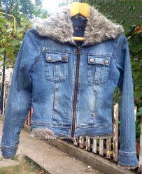 Женская утепленная джинсовая курточка