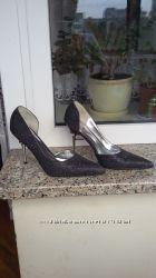 Продам туфлі нові 38р. Італія