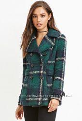 Пальто Forever21 зеленого цвета в клетку