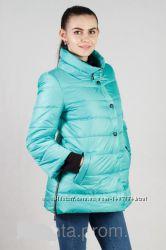 Демисезонная женская куртка с укороченными рукавами