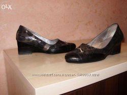шкіряні польські туфлі 39 розміру