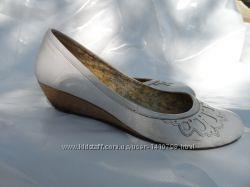 Туфли белого цвета 39р