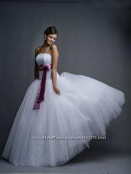 Красивое свадебное платье Днепр  в подарок подьюбник, нарукавники, туфли