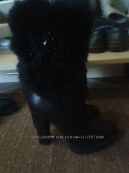 зимние сапоги на високом каблуке, очень удобные и стильные