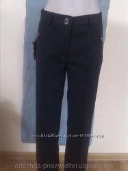Женские брюки р. 42, 46.