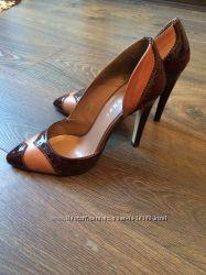 Вишукані туфлі 39 р-р