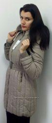 Женская куртка-пуховик серого цвета