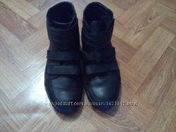 Продам мужские ботинки CARLO PAZOLINI