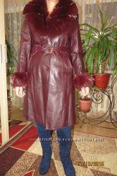 Продам кожаный женский плащ осень-зима