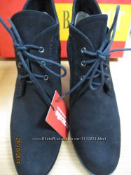 Новые элегантные замшевые ботиночки 38 р-р  утепленные