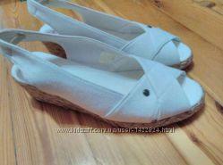 Белые джинсовые босоножки 38. 5 размера