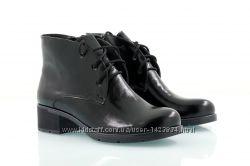 Кожаные лакированные деми ботинки