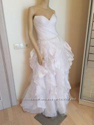 Красивое белоснежное дизайнерское платье 38р.