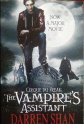 Продам Книгу на английском The Vampire&acutes Assistant