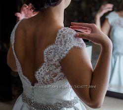 шикарне, дизайнерське  плаття  Anna Sposa колір айвори