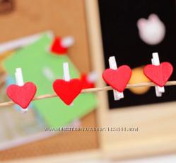 Цветные мини-прищепочки сердечки декоративные.