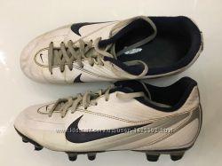 Бутсы кроссовки Nike