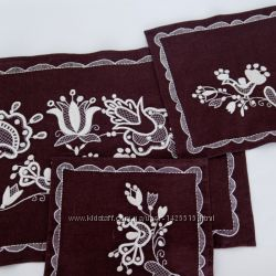 Набор салфеток и скатерти ручной работы