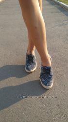 Классные тапки на шнурках