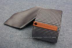 Зажим для галстука PENGUIN Wooden Tie Clip