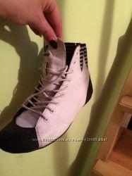 Кроссовки кожаные Adidas, бело-черные