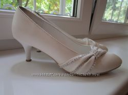 Белые туфли, б. у. 2 раза. , размер 36.