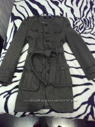 Сильное пальто защитного цвета