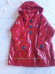 яркий красный плащ-дождевик на подкладке   MOTHERCARE на 4-5л.