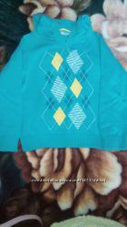 Новый очень красивый, яркий фирменный свитерок с капюшоном, на 3-4года