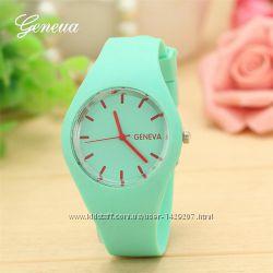 Часы женские  - 2 цвета