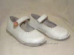 Белые кожаные туфельки