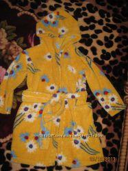 Халат махровый  банный на 3-5 лет и пижамки на 3, 4 года.