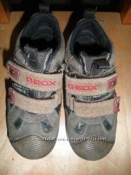 Отличные кроссовочки р.  27 Geox