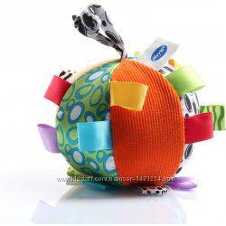 Мягкий мячик погремушка с безопасным зеркалом Playgro