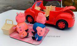Автомобіль родини свинки Пеппи